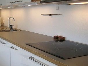 Accessori per top cucina: alzatine, bordi e zoccoli ...